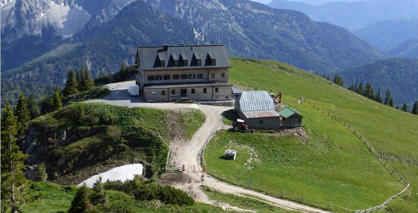 Blick vom Gipfel zum Rotwandhaus-Bayerische Alpen